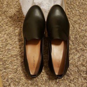 Indigo Rd black loafers. Size 8.